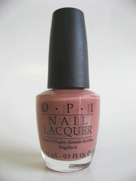 OPI R61 - KREME DE LA KREMLIN