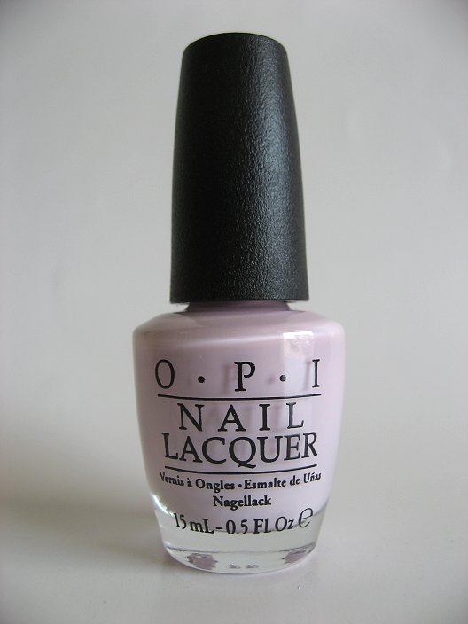 OPI NL BA4 - I'm Gown for Anything!