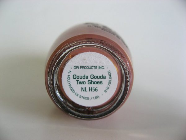 OPI H56 Gouda Gouda Two Shoes bottom label
